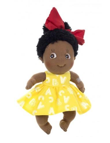 Muñeca de tela Jennifer, la lectora