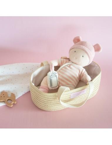 Bebé con moisés